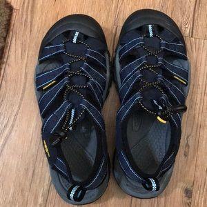 Shoes - Keen Women's Sandals 8.5